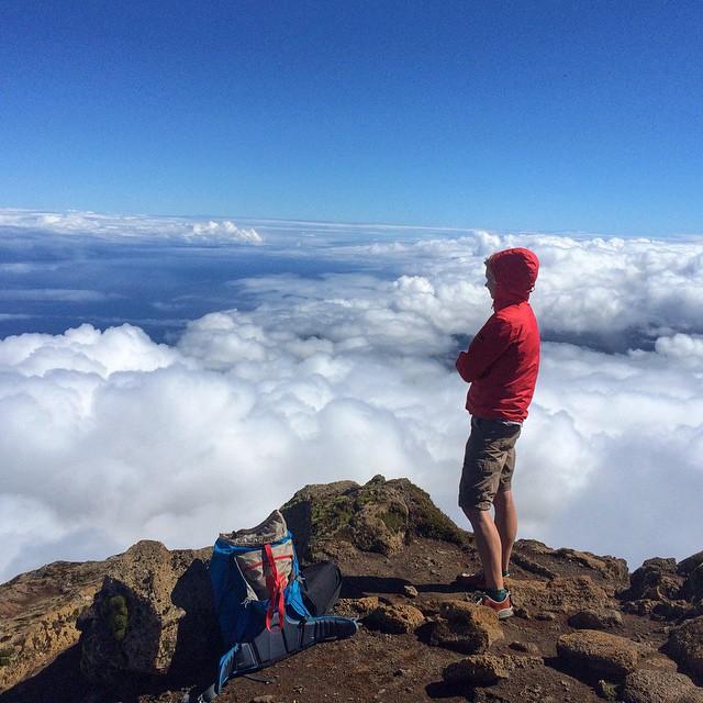 hiking_azors_summit_mount_pico