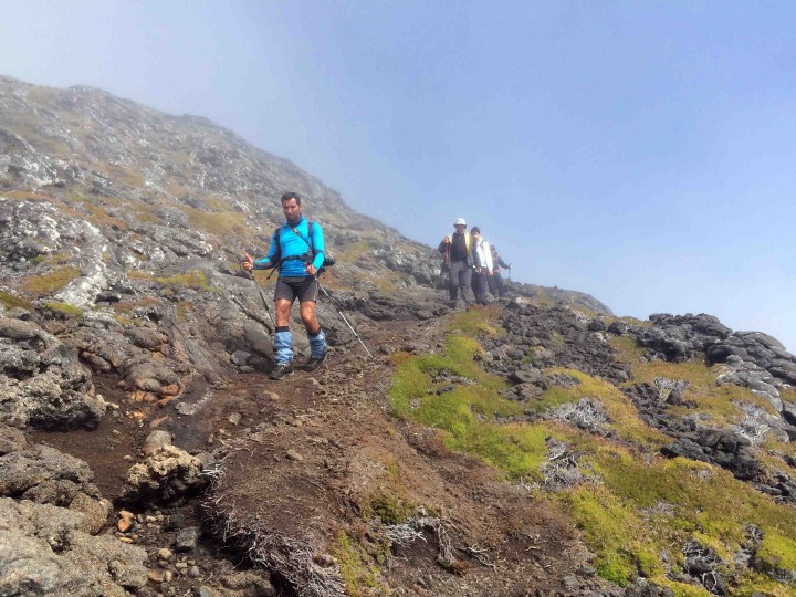hiking_down_mount_pico_azores