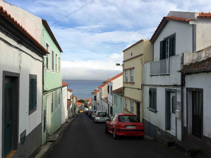 steep_streets_to_sea_horta_faial
