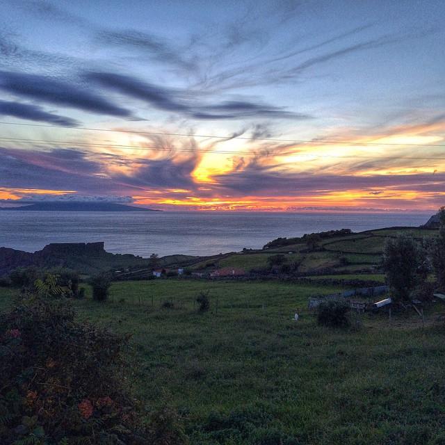 sunset_s_jorge_island_azores