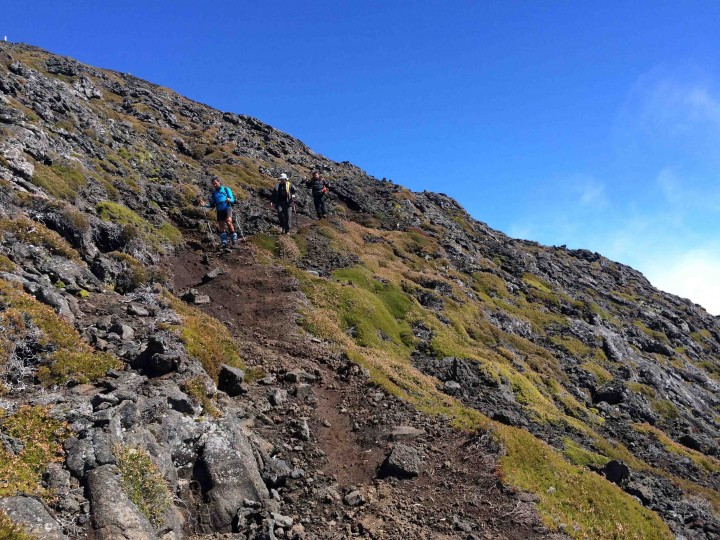 the_hike_down_mount_pico_azores