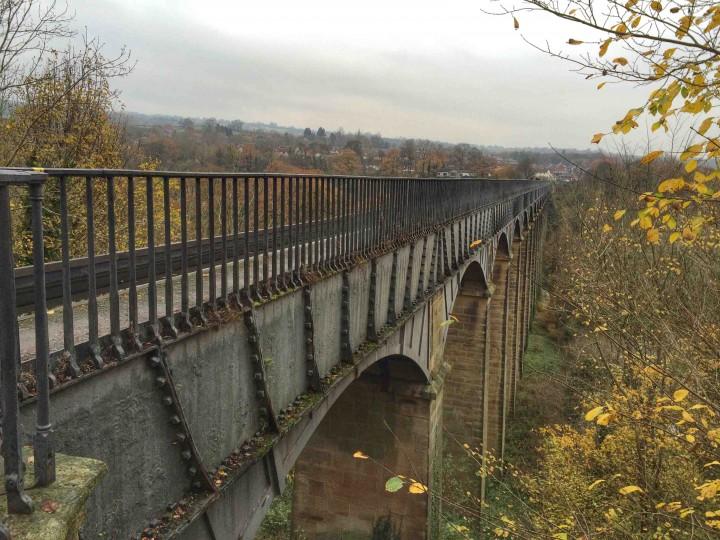 side_view_pontcysyllte_aqueduct
