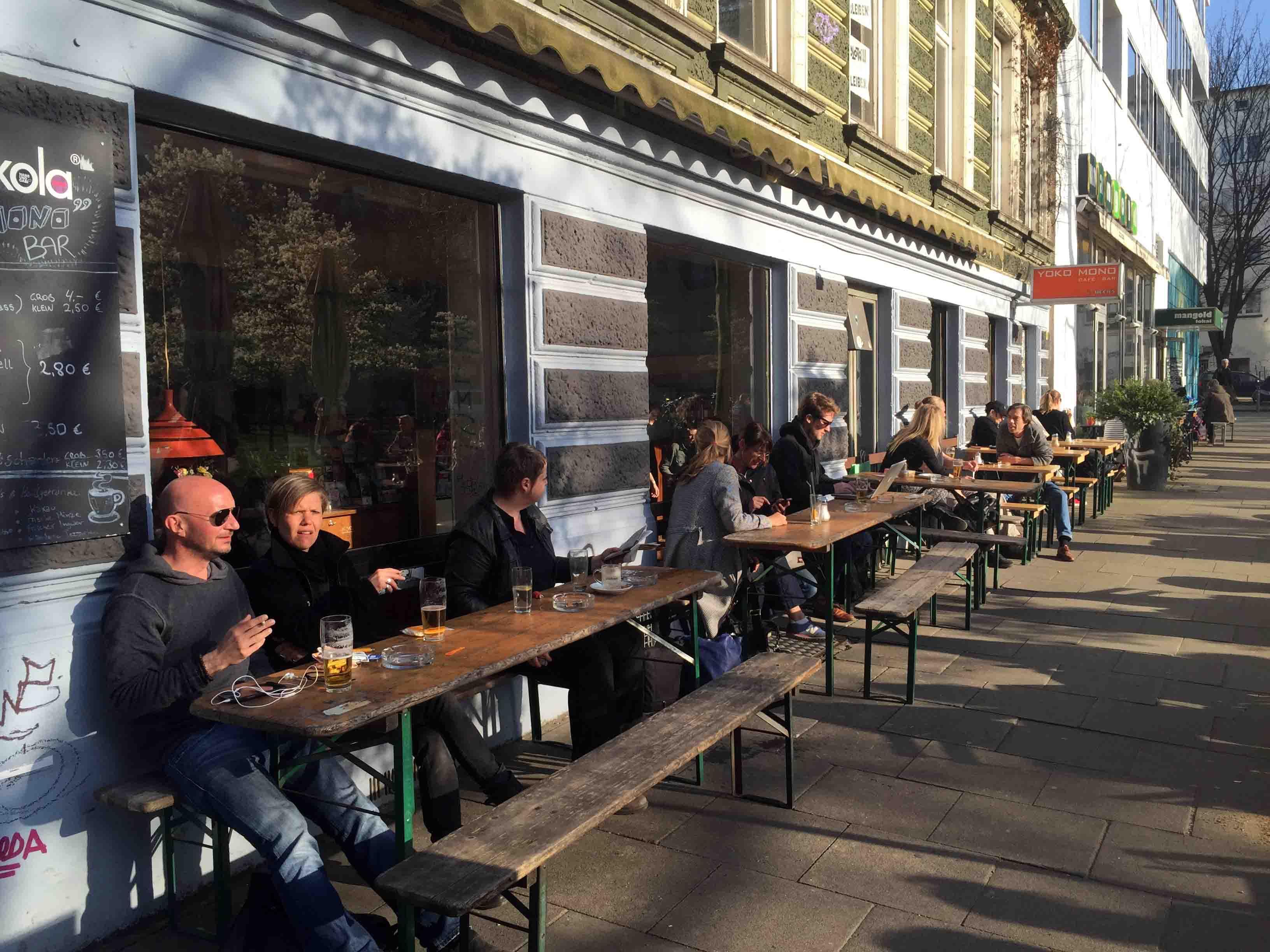 chilling_beer_street