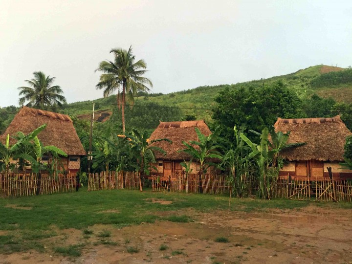 bungalows_in_bho_hoong_vietnam
