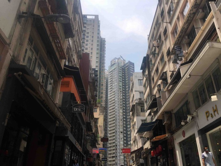 narrow-streets-high-buildings-hong-kong