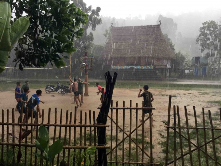 rain_volleyball_vietnam