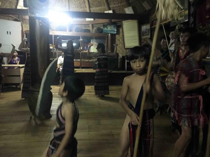 traditional_dance_bho_hoong_vietnam