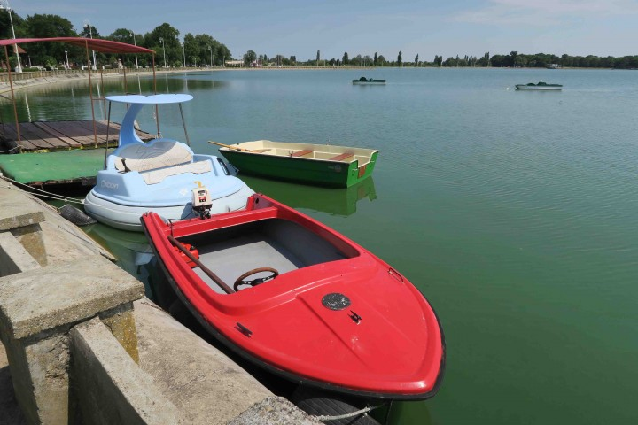 lake_palic_boats