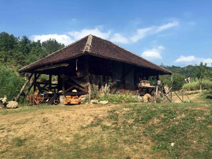 rustic_cabin_serbia