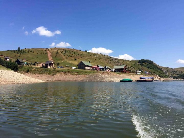 boat_ride_uvac_river