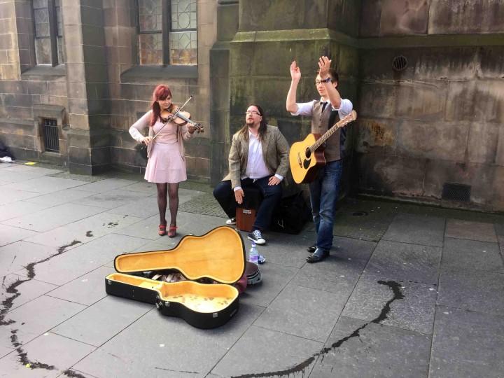 fringe_festival_performers_edinburgh_scotland