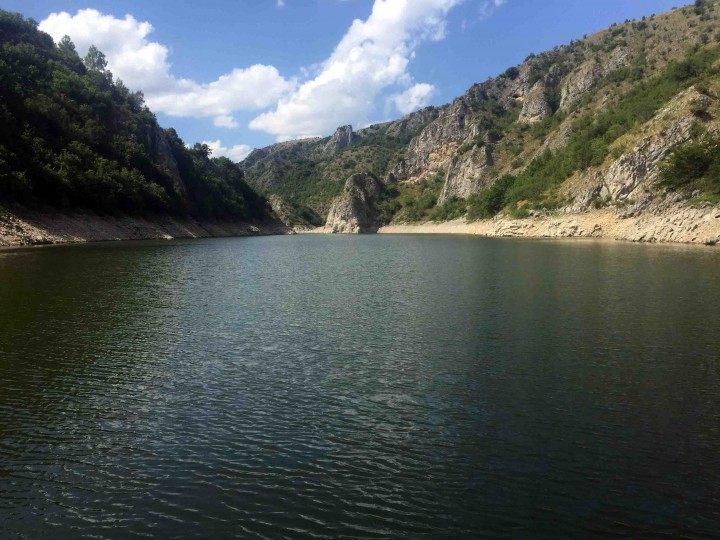 stunning_uvac_river
