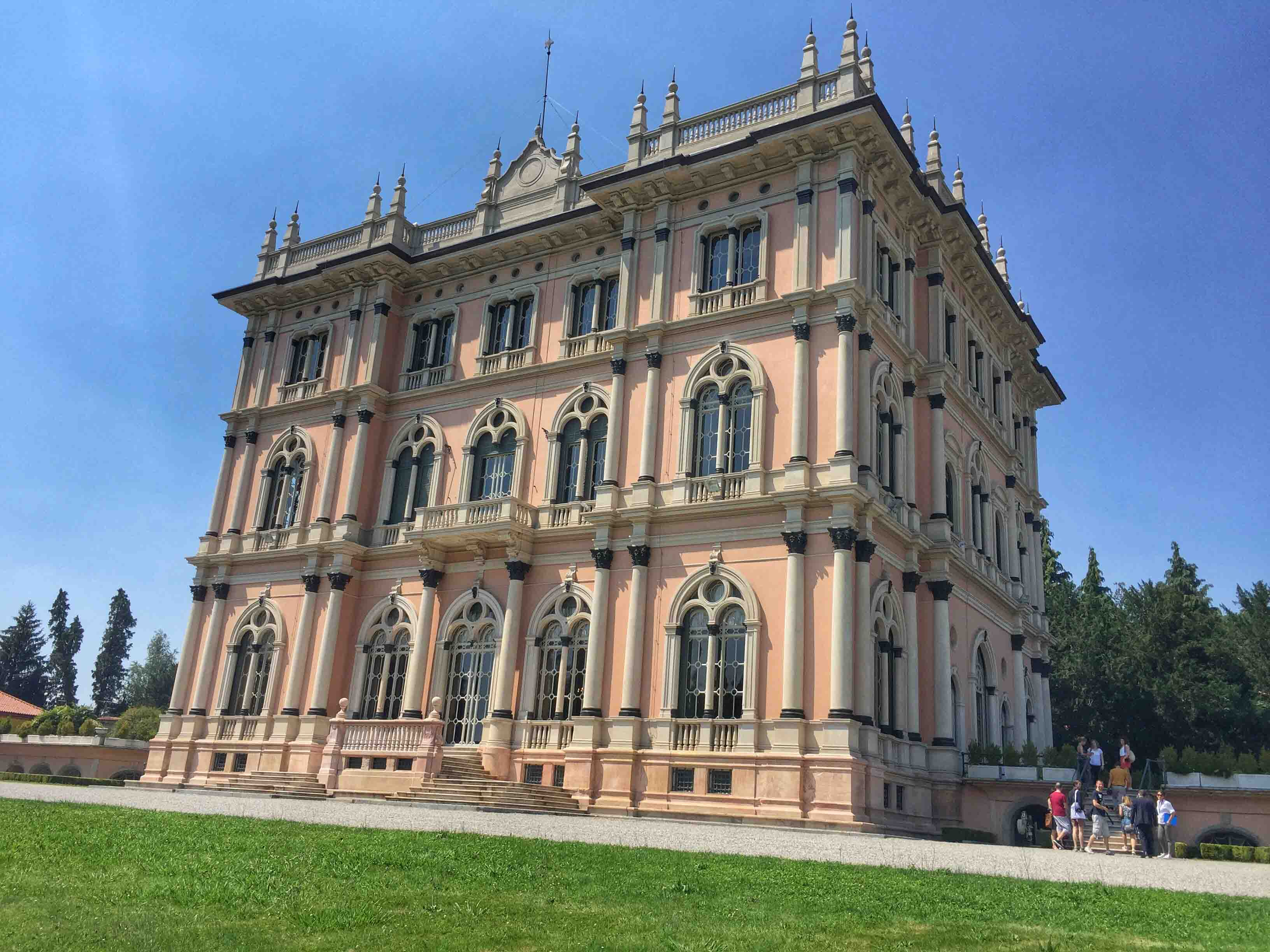 The magnificent ville ponti in varese italy for Ville in italia