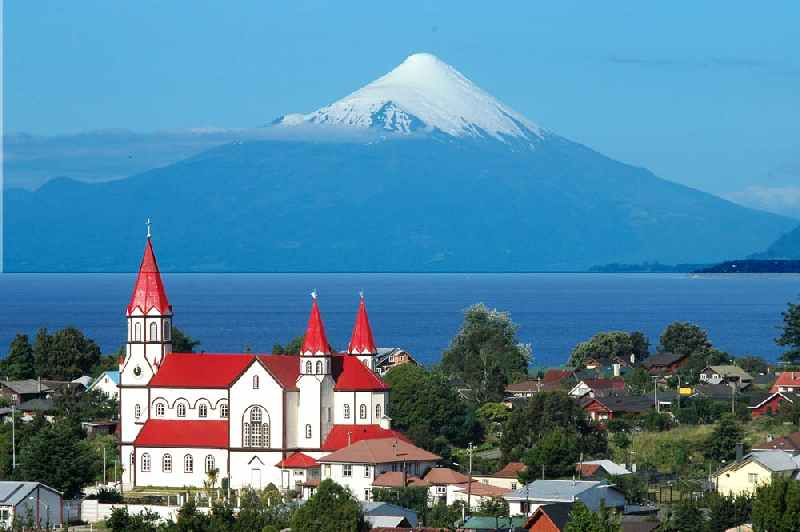 Puerto Varas, Chile by CC user Hosteria Outsider on German Wikipedia