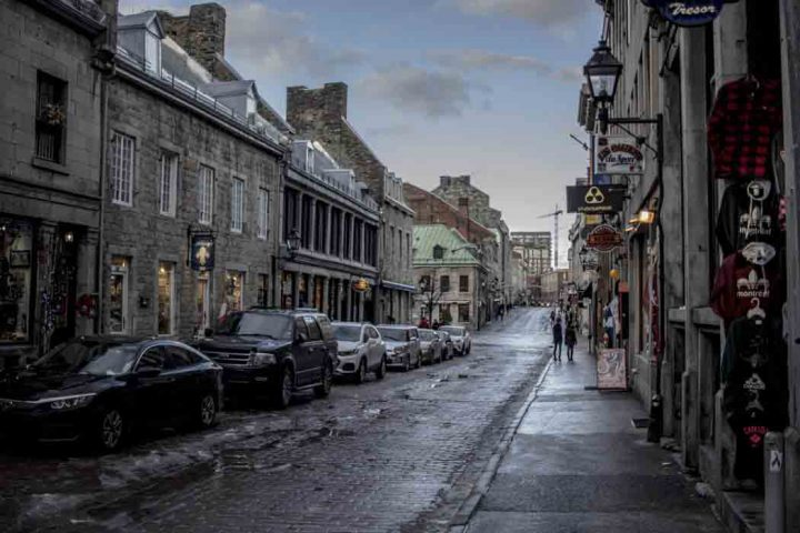 where to stay in old Montreal